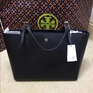 NWT Tory Burch Large Buckle Tote